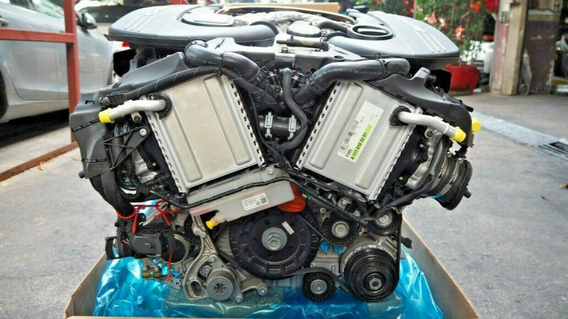 mercedes-w205-c63amg-2018-40-v8-bi-turbo-engine-big-1
