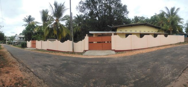 large-house2-double-gated-house-for-rent-in-trincomalee-big-0
