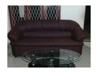 Without stool, meroon colour