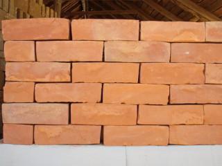 Clay bricks (ගඩොල්)
