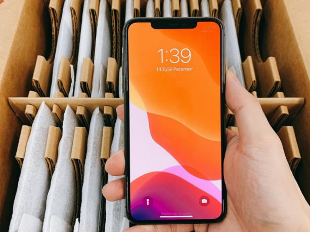 apple-iphone-11-pro-max-used-big-1