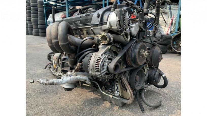 mercedes-w201-190e-25l-16v-1989-long-block-engine-big-2