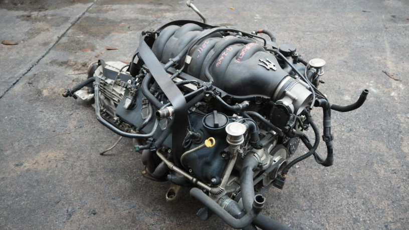 maserati-quattroporte-42l-v8-2011-long-block-engine-big-2