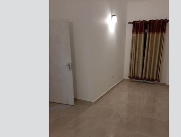 2-bedrooms-upstair-house-big-7