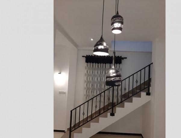 2-bedrooms-upstair-house-big-4