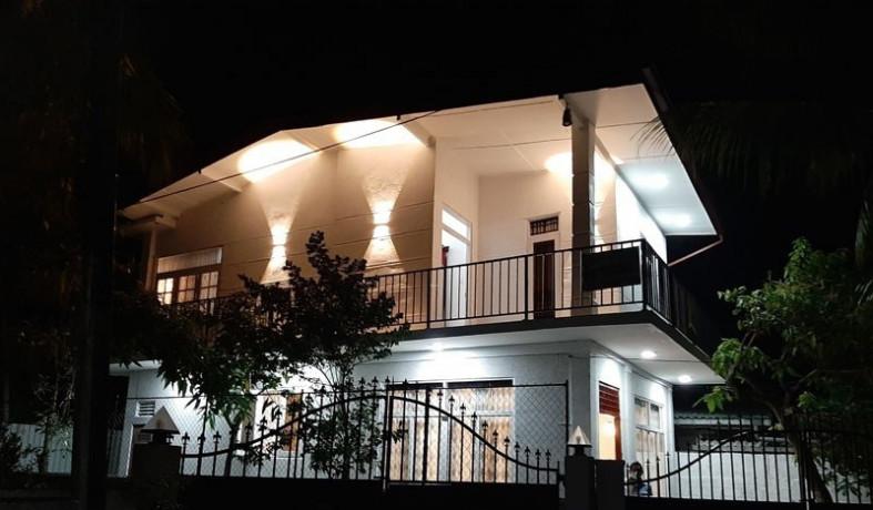 2-bedrooms-upstair-house-big-0