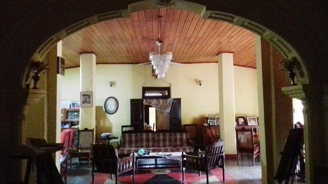 antique-two-storied-large-house-for-sale-in-dehiowita-big-3