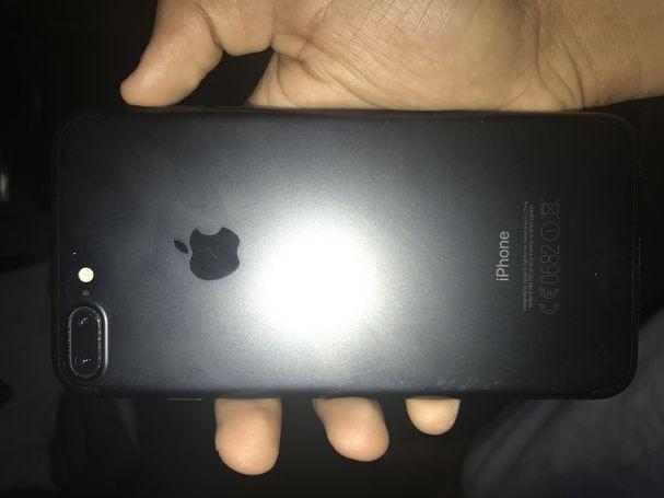 apple-i-phone-7-plus-matte-black-big-3