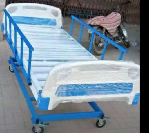 hospital-patient-bed-big-0